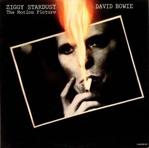l'immense David Bowie est décédé après avoir publié son ultime chef-d'oeuvre, ★ (Blackstar)  David-bowie-ziggy-stardust-521411