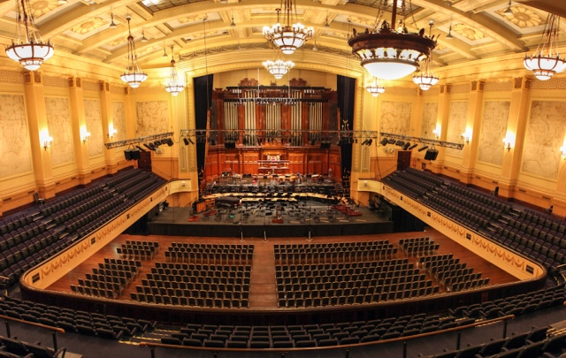 Mel Town Hall organ